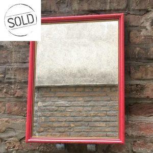 Vintage Spiegel rot