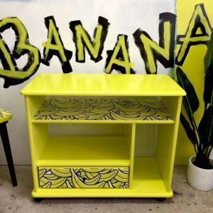 Anni's Art and Living-Banana-Kommode-Tv-Möbel-Rollkästchen-Unikat-Interiordesing-Upcycling-Wien