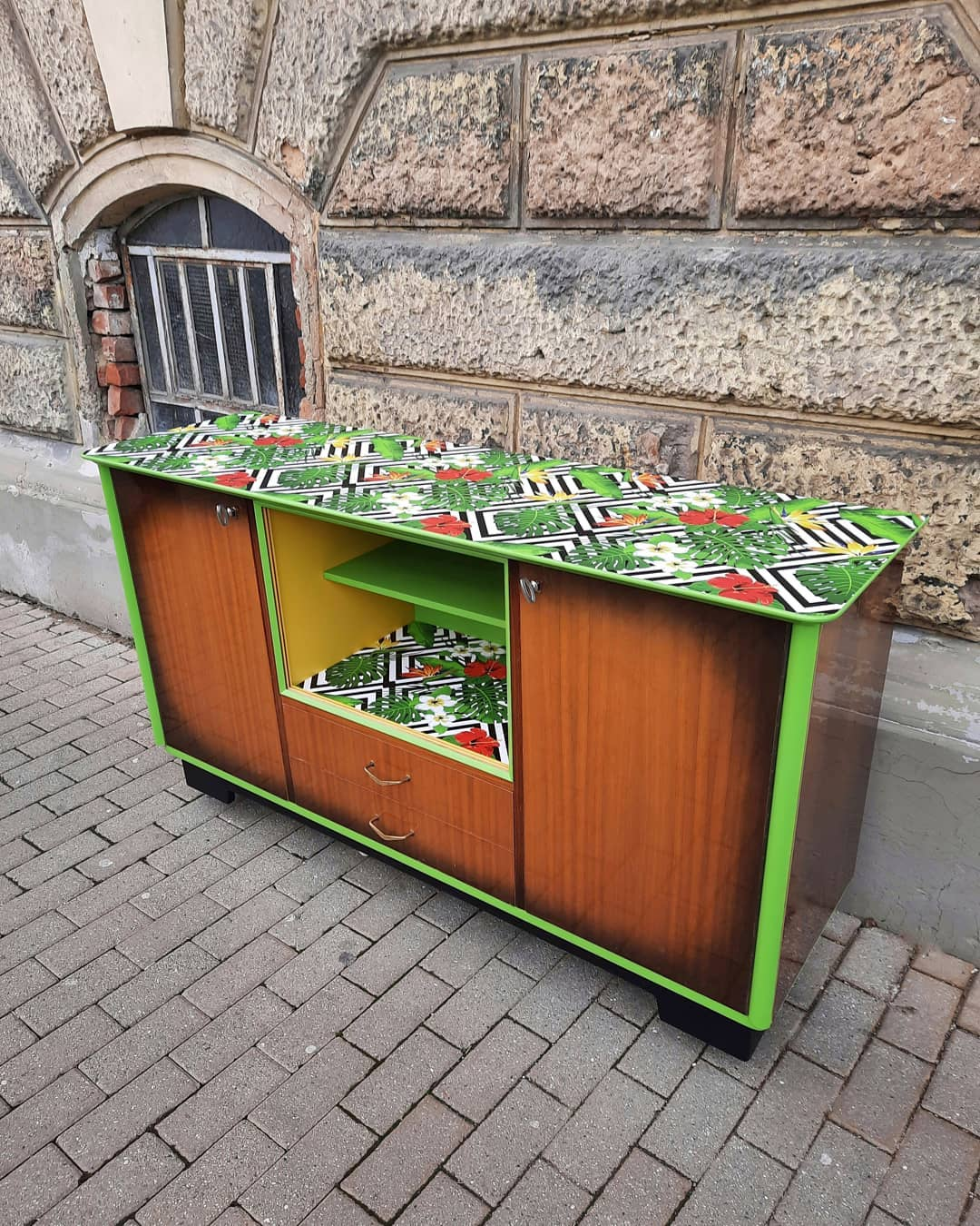 annis-art-and-living-upcycling-moebel-wien1_ERBSTÜCK-REVIVAL