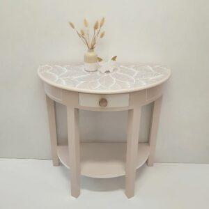 Anni's Art and Living-Konsolen-Tisch-Upcycling-Wien-Bohostyle-Beige-Weiß-Blatt-Muster-Interior-
