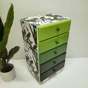 Anni's Art and Living-grüner Vogel-Möbel-Erbstück-Upcycling-Wien-Interiordesign-ausaltmachneu-Designmöbel